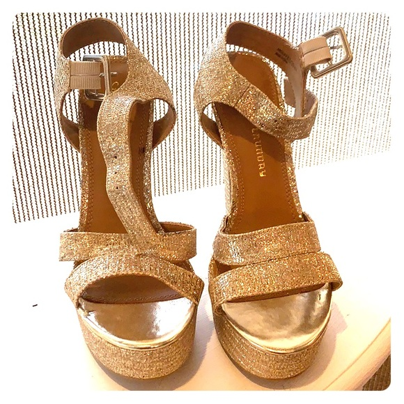 Chinese Laundry Shoes - Chinese Laundry Gold Lame Pumps